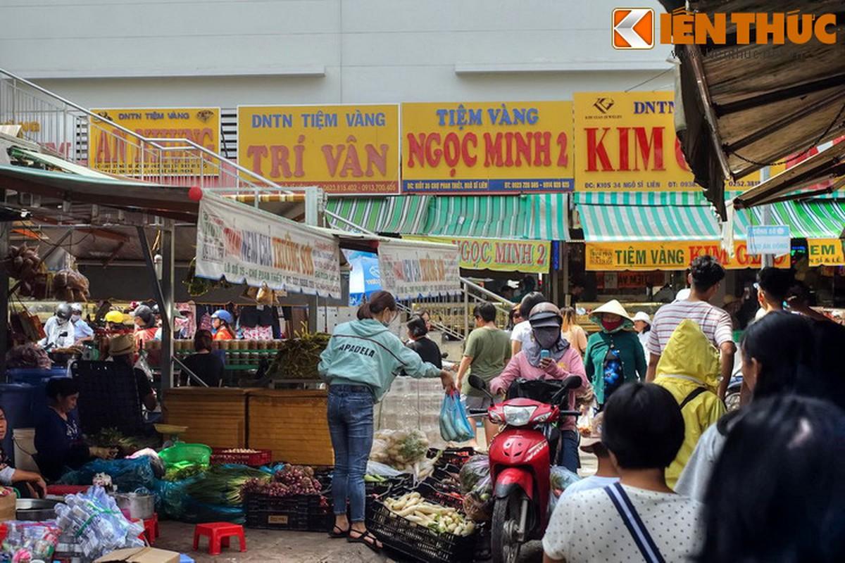 """""""Lac loi"""" trong khu cho hon 300 tuoi cua Binh Thuan-Hinh-3"""