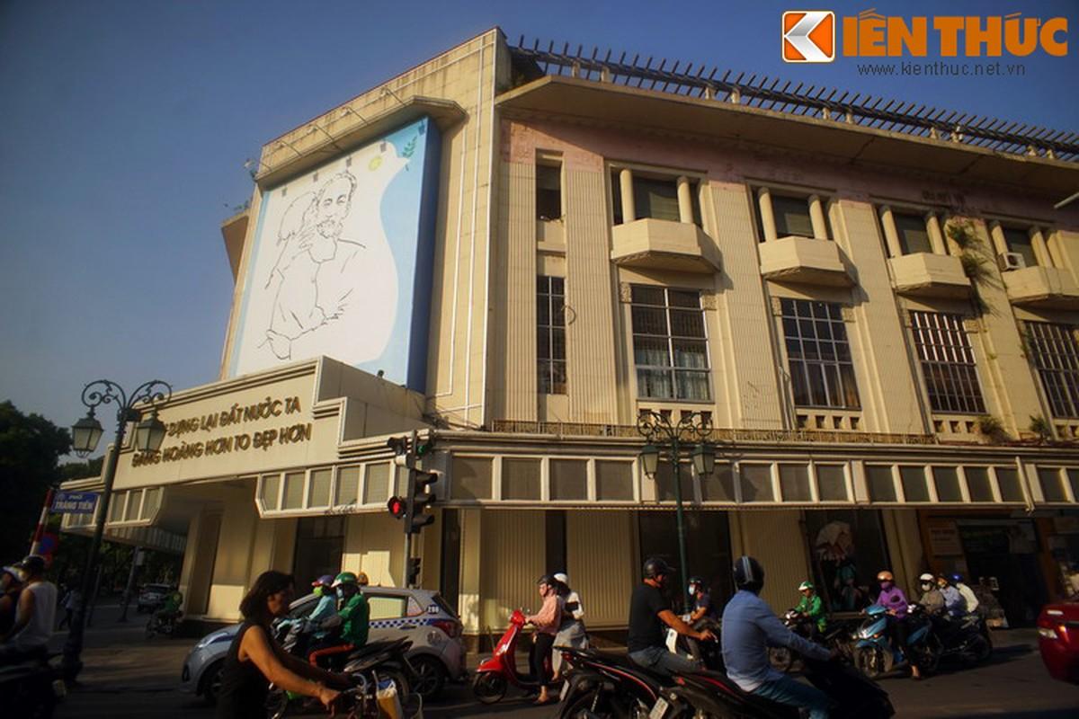 Bi mat sau buc tranh Bac Ho o goc pho dep nhat Ha Noi-Hinh-10