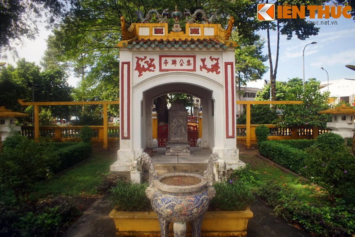 Can canh trai chau co phu men mau quy gia tai lang Ong Ba Chieu