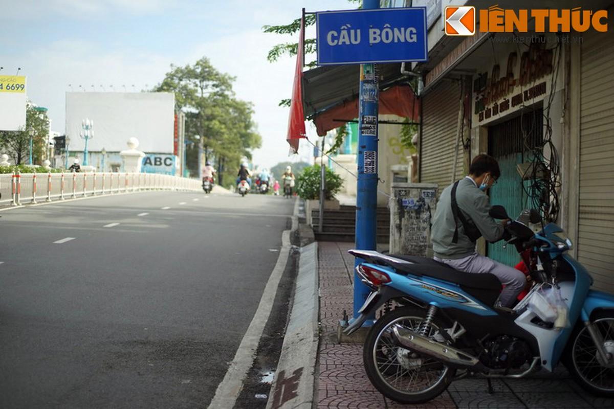 Bi mat lich su cua cay cau co nhat Sai Gon-Hinh-4