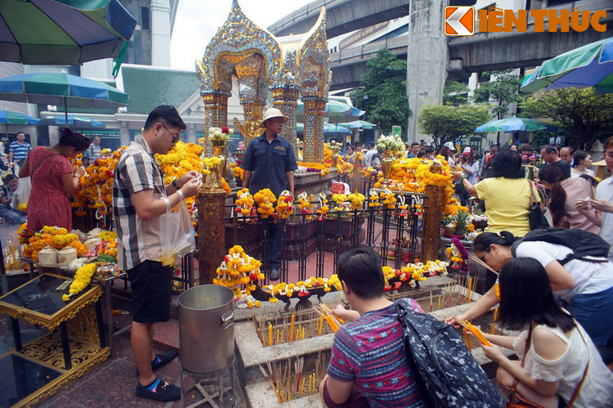 Giai ma tuong Phat bon mat nguoi Thai dac biet ton tho-Hinh-5