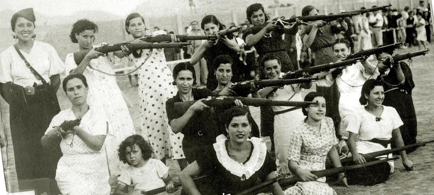 Kinh hoang vu nem bom vao cho phien rung dong the gioi 1936-Hinh-6