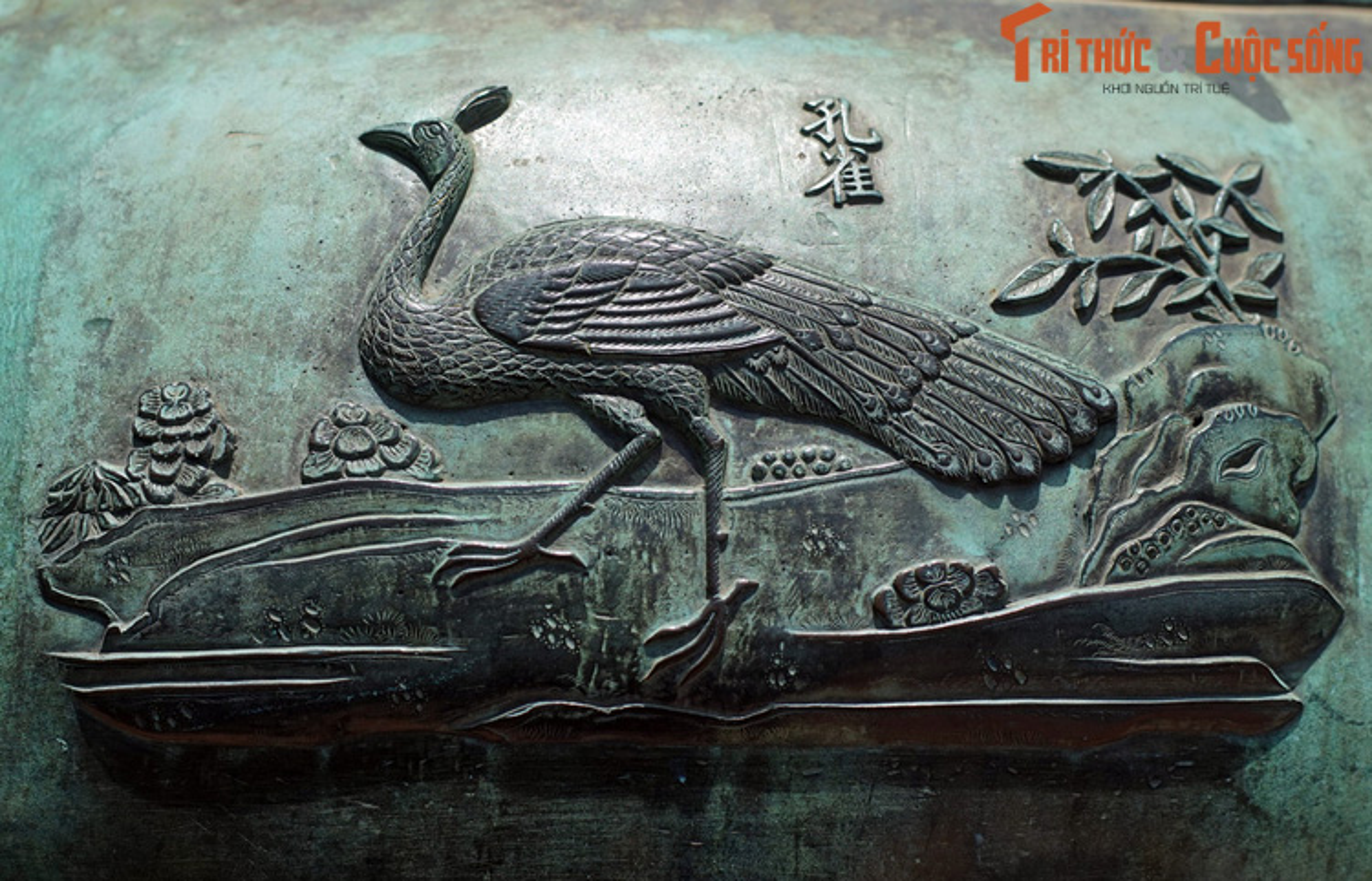 Diem danh 9 loai chim duoc khac tren Cuu Dinh nha Nguyen-Hinh-2