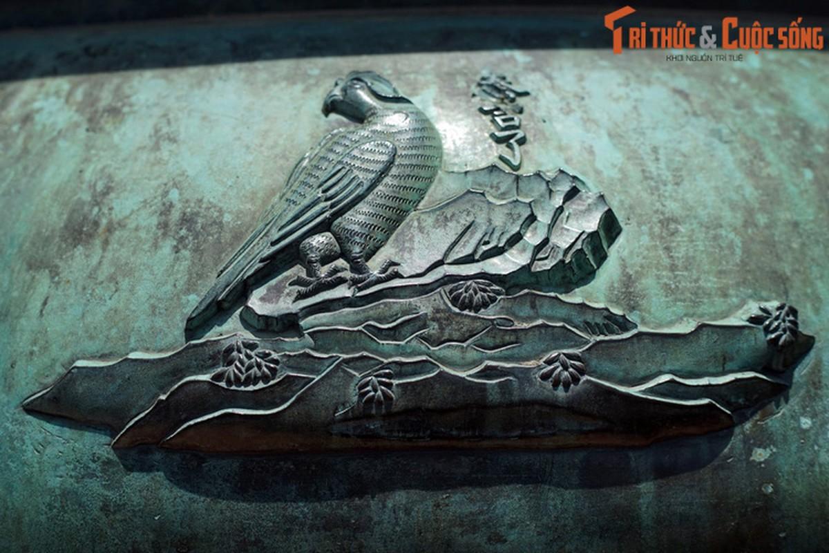 Diem danh 9 loai chim duoc khac tren Cuu Dinh nha Nguyen-Hinh-7