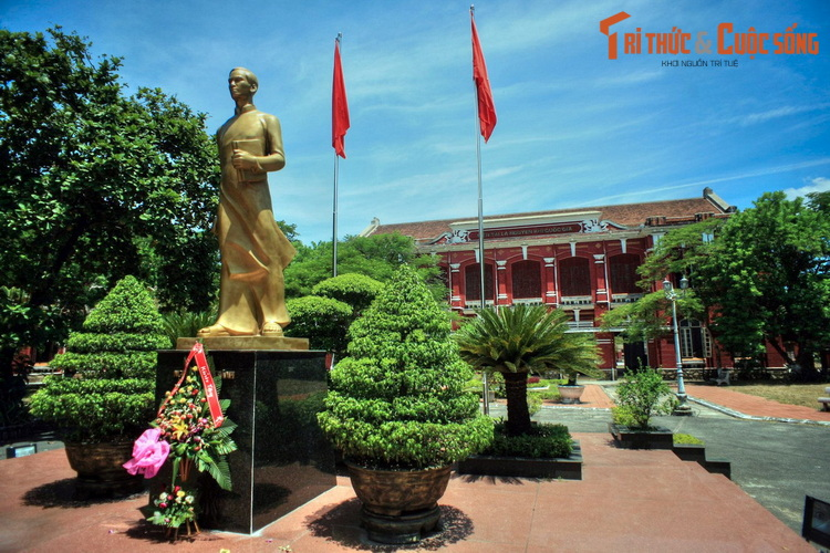 Loat cong trinh co trang le o pho Tay tru danh Co do Hue-Hinh-8