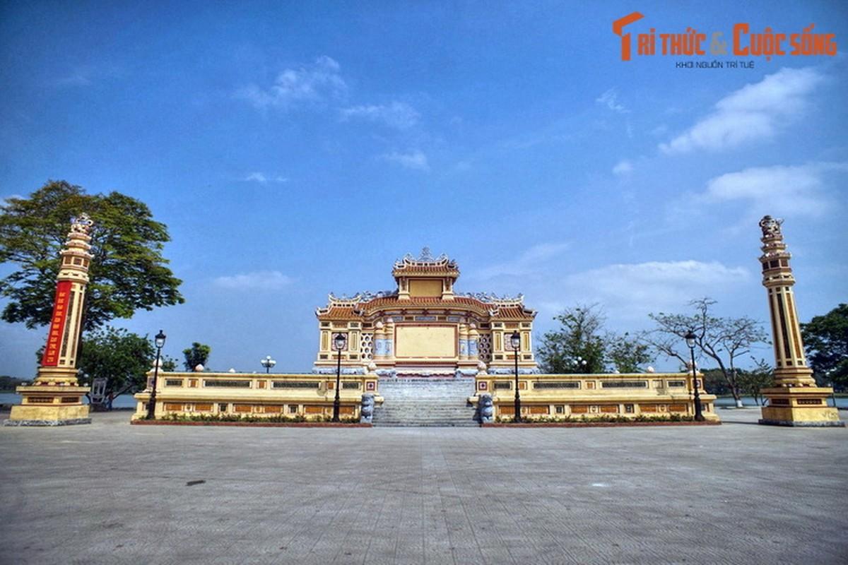 Loat cong trinh co trang le o pho Tay tru danh Co do Hue-Hinh-9
