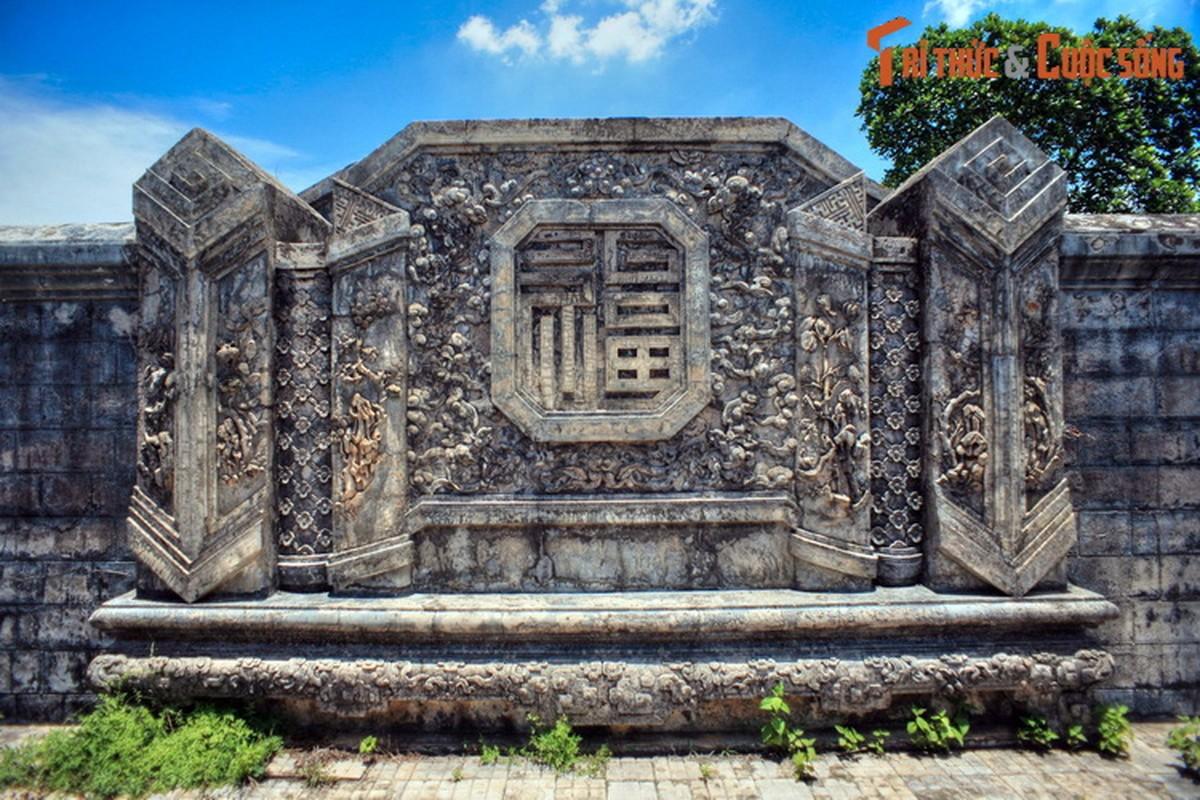 Choang ngop ve trang le cua lang mo vo ca vua Dong Khanh-Hinh-10