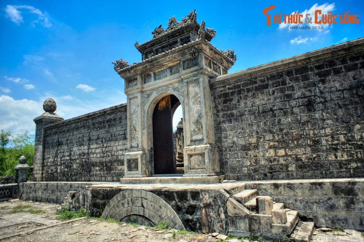 Choang ngop ve trang le cua lang mo vo ca vua Dong Khanh-Hinh-6