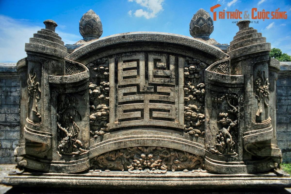 Choang ngop ve trang le cua lang mo vo ca vua Dong Khanh-Hinh-7