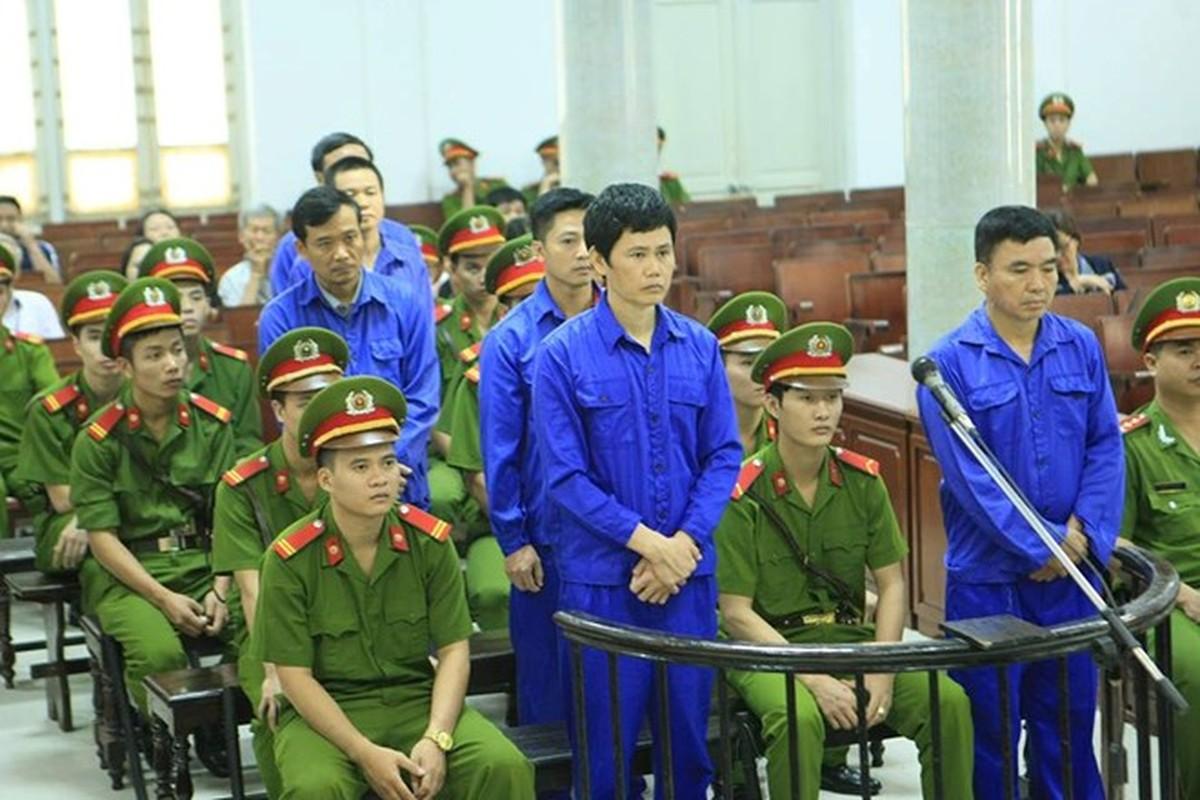 """Nhung vu quan chuc voi tien """"chung chi"""" bi bat qua tang, nhan ket dang-Hinh-20"""
