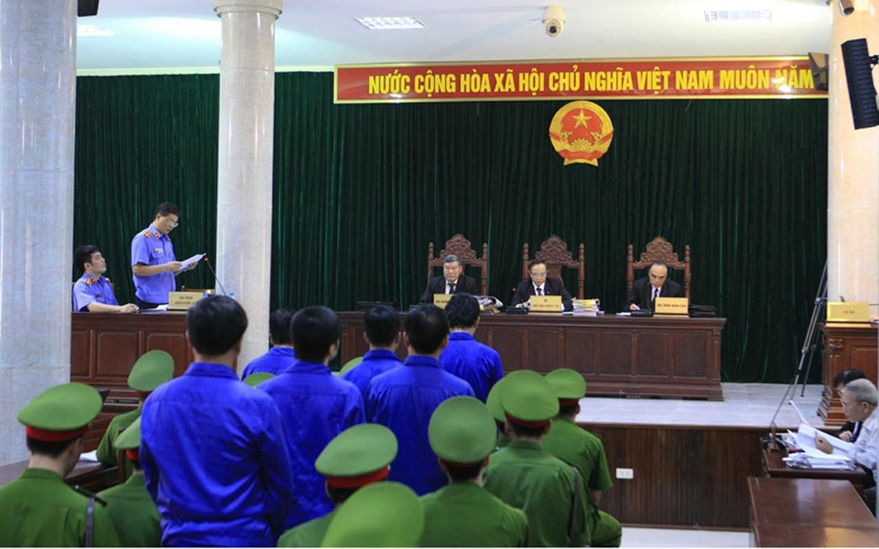 """Nhung vu quan chuc voi tien """"chung chi"""" bi bat qua tang, nhan ket dang-Hinh-21"""