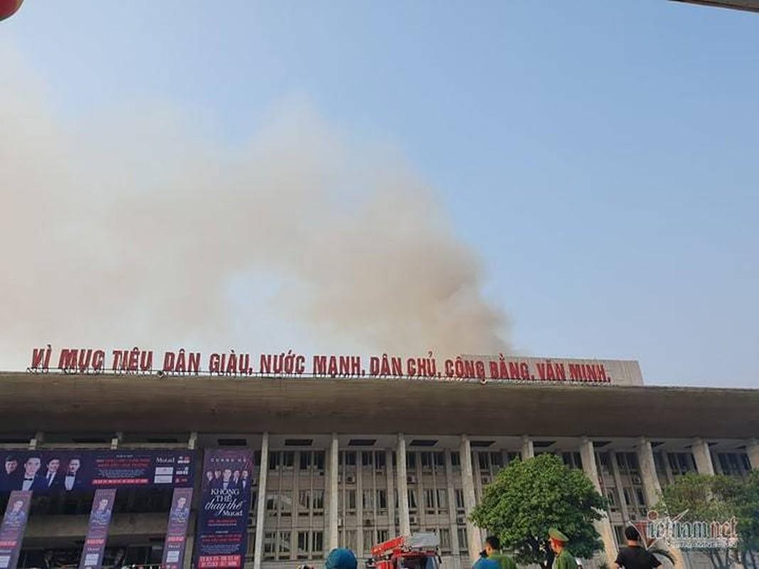 Chay Cung van hoa huu nghi Viet Xo, khoi den cuon cuon-Hinh-2