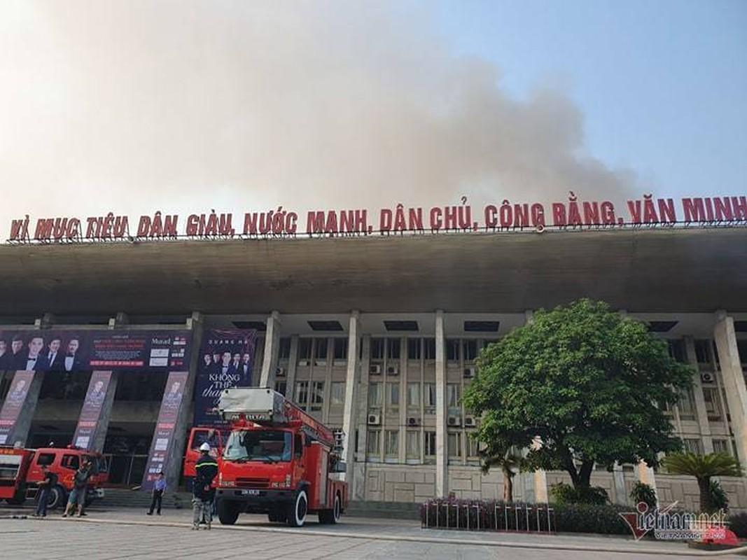 Chay Cung van hoa huu nghi Viet Xo, khoi den cuon cuon-Hinh-3