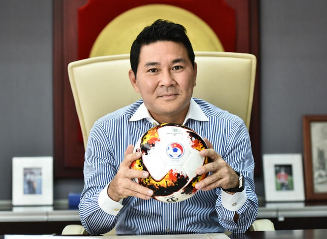 """Dai gia"" bau Duc tien cu Pho Chu tich VFF lo 200 ty/nam giau co nao?-Hinh-12"