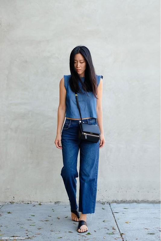 Street style sanh dieu voi chiec quan jean rach gau dang hot-Hinh-12