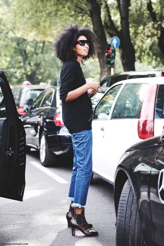 Street style sanh dieu voi chiec quan jean rach gau dang hot-Hinh-2
