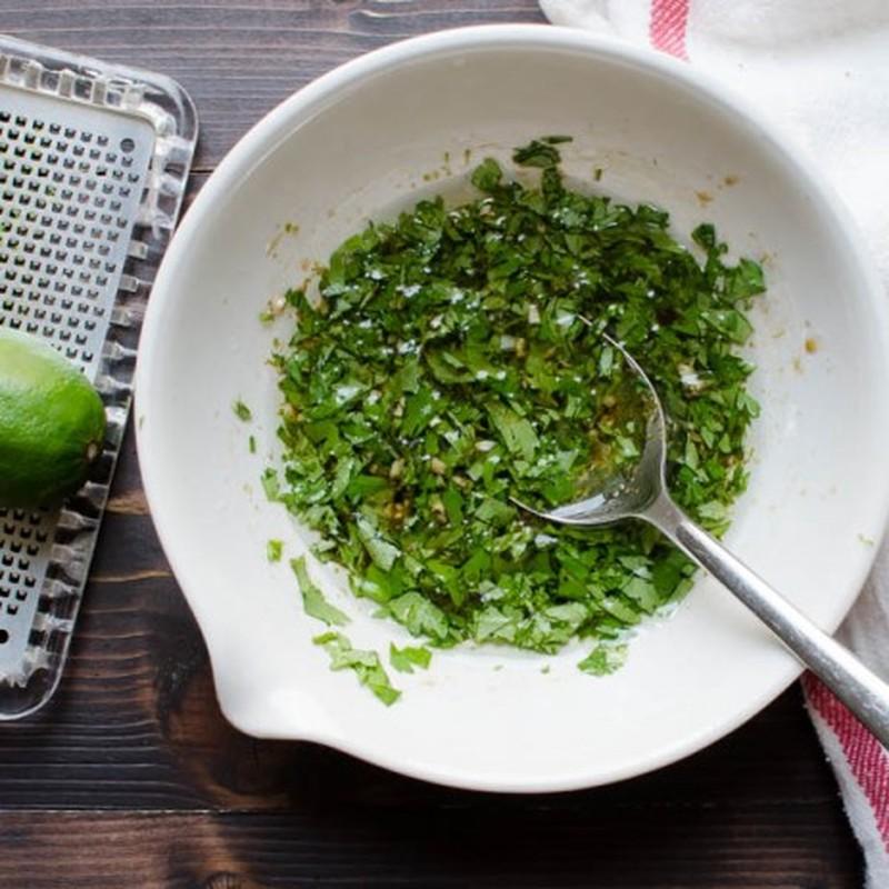 Vao bep voi mon salad tom nuong ngon mat ngon mieng-Hinh-3