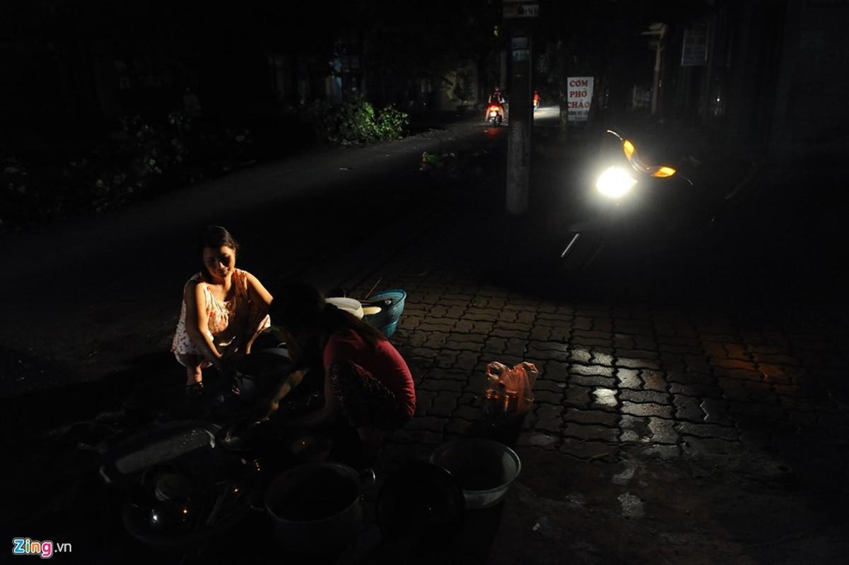 Cuoc song trong bong toi o Nam Dinh sau bao-Hinh-10