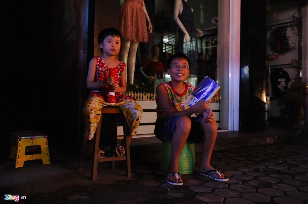 Cuoc song trong bong toi o Nam Dinh sau bao-Hinh-7