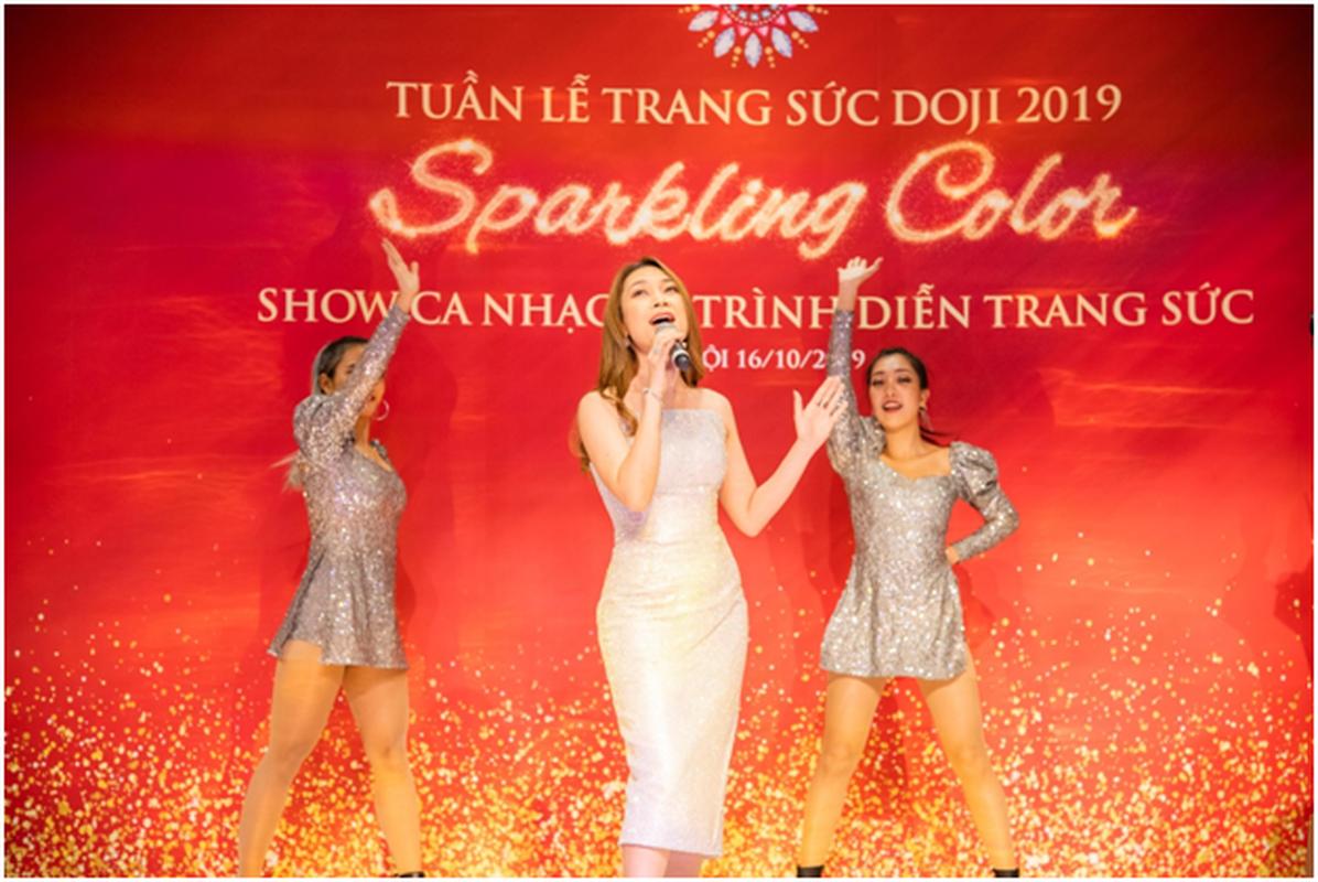 Tuan le Trang suc DOJI 2019: Den DOJI Tower la trung vang 999.9-Hinh-5