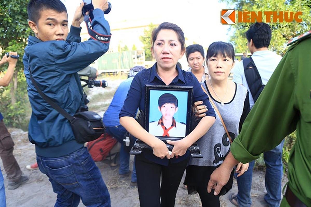 Nguoi nha nan nhan gao khoc khi nhin thay Nguyen Hai Duong-Hinh-3