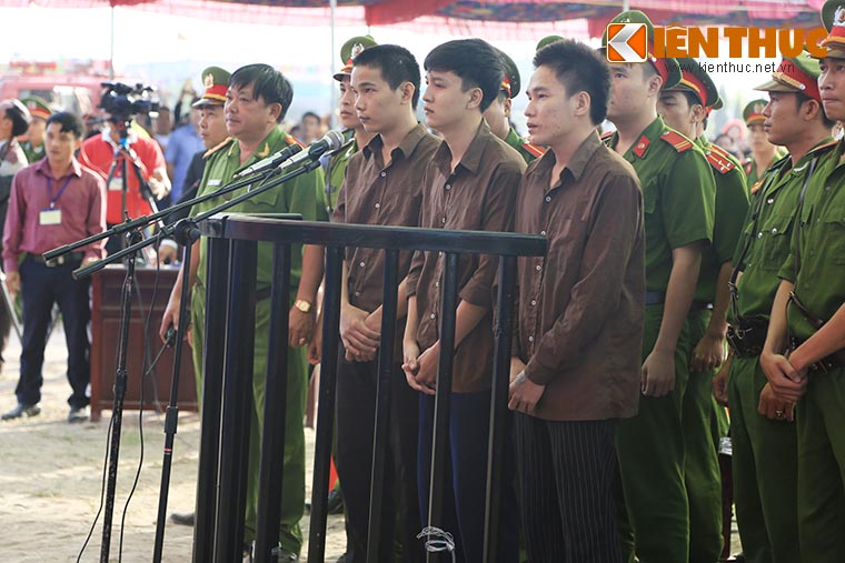 Nguoi nha nan nhan gao khoc khi nhin thay Nguyen Hai Duong-Hinh-9