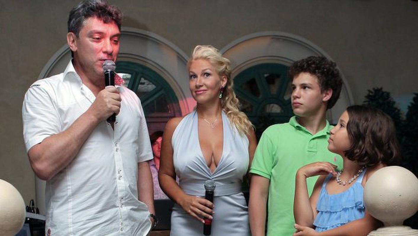 Ong Boris Nemtsov bi am sat co lien quan toi ban gai Duritskaya?-Hinh-8