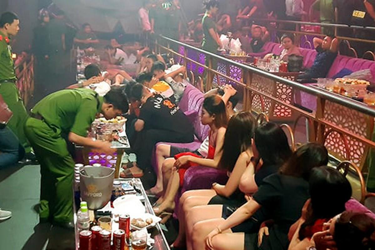 Tin nong ngay 27/7: Khoi to 2 doi tuong dua nguoi Trung Quoc nhap canh trai phep-Hinh-7