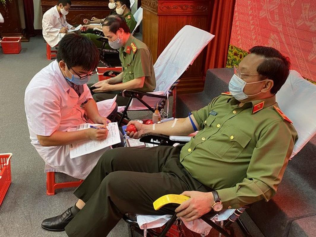 Biet gi ve thieu tuong Nguyen Hai Trung tan Giam doc Cong an Ha Noi-Hinh-10