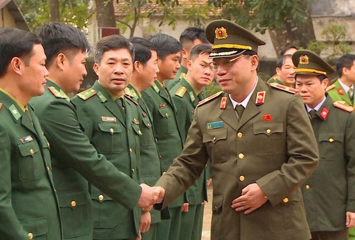 Biet gi ve thieu tuong Nguyen Hai Trung tan Giam doc Cong an Ha Noi-Hinh-6