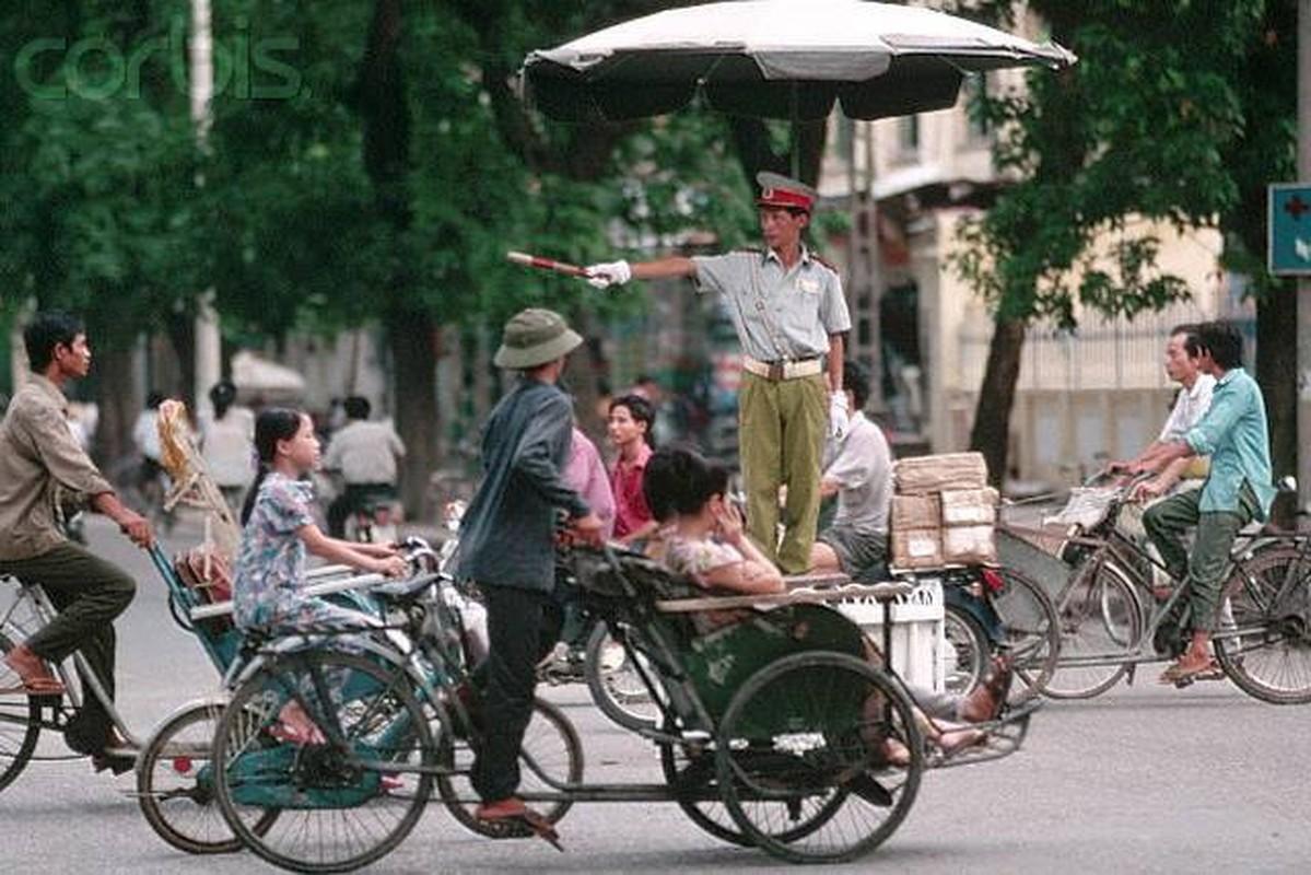 Trang phuc Canh sat giao thong qua cac thoi ky thay doi the nao?-Hinh-5