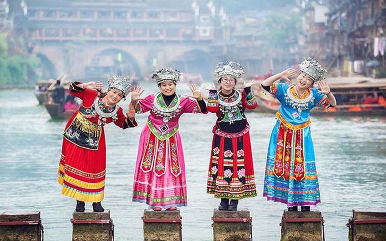 Huyen bi kien truc Phuong Hoang co tran-Hinh-4