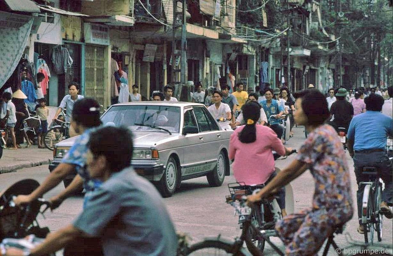 Hinh anh cuc sinh dong ve giao thong Ha Noi dau thap nien 1990-Hinh-10