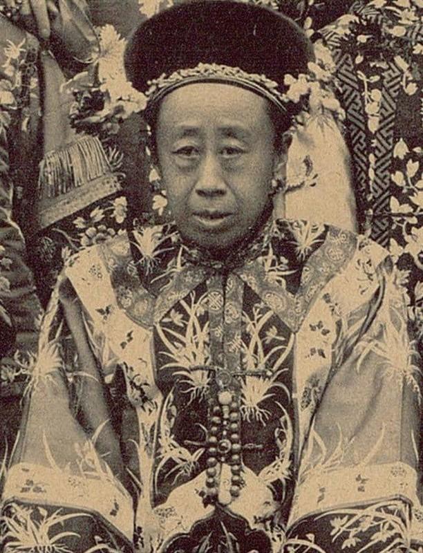 """""""Soi ky"""" nhan sac thuc cua phi tan, cach cach Trung Quoc thoi xua-Hinh-4"""