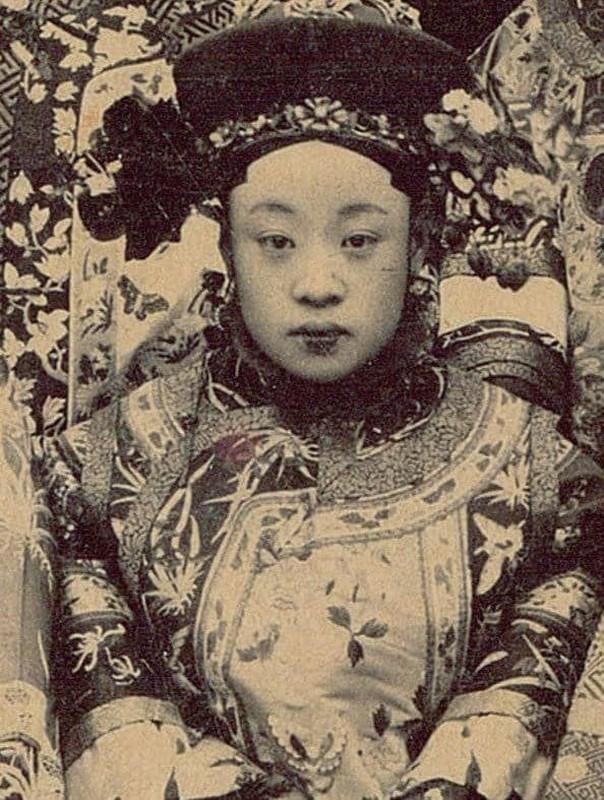 """""""Soi ky"""" nhan sac thuc cua phi tan, cach cach Trung Quoc thoi xua-Hinh-5"""