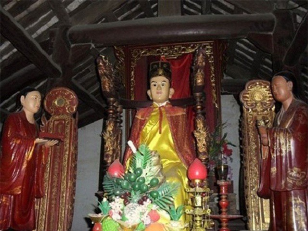 Doc la buc tuong co the tu dung len ngoi xuong o Viet Nam-Hinh-4