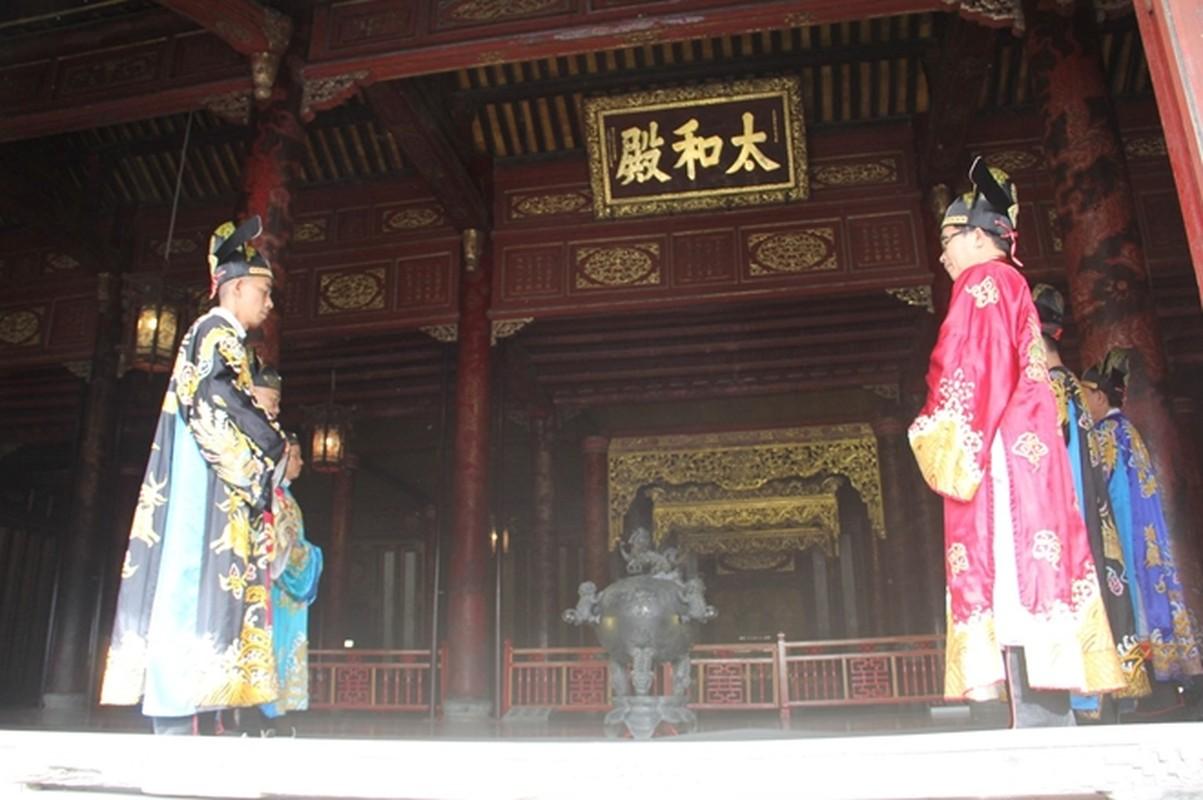Buoi thiet trieu dau nam moi o Hoang cung Hue dien ra the nao?