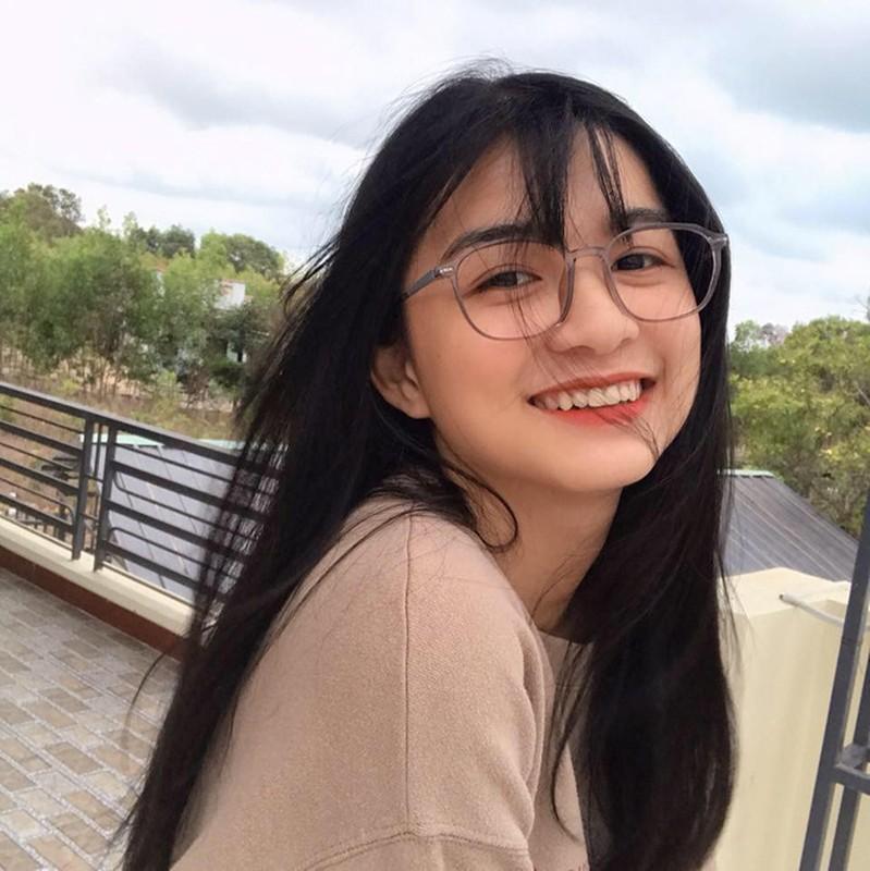 "Trao nu hon chia tay khien ban nam ""mung hut"", nu sinh gay sot-Hinh-6"