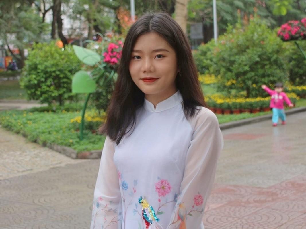 "Duong len dinh Olympia lai xuat hien hot girl ""gay bao"" mang-Hinh-6"