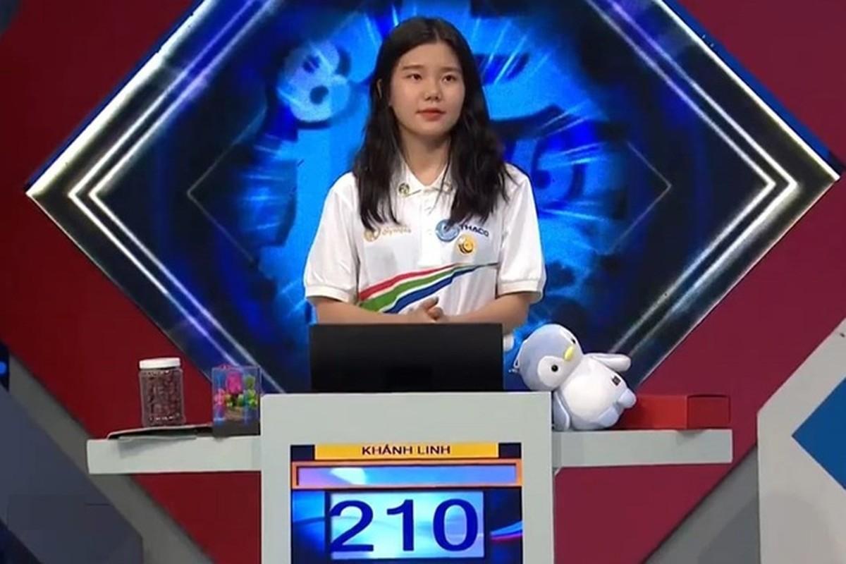 """Duong len dinh Olympia lai xuat hien hot girl """"gay bao"""" mang"""