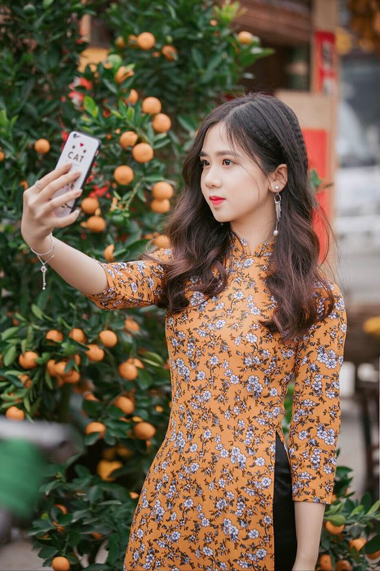 Soi dan hot girl truong Luat khoe anh xinh het phan thien ha-Hinh-10