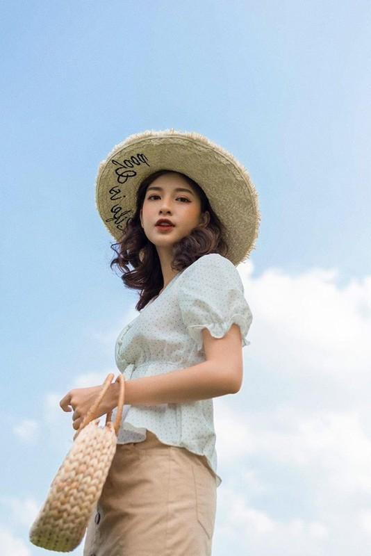 Soi dan hot girl truong Luat khoe anh xinh het phan thien ha-Hinh-9