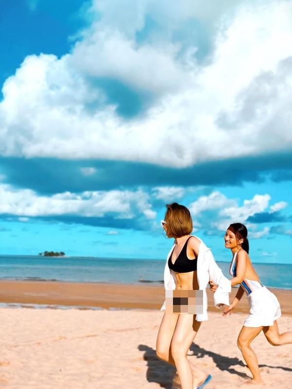 1 nam bien co lo clip, hot girl Tram Anh khoe dang nong bong-Hinh-3