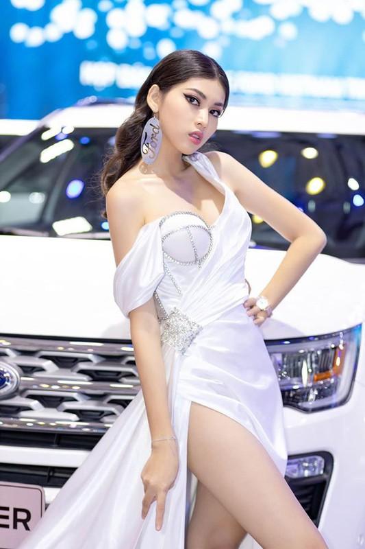 Thi sinh Hoa hau Viet Nam co doi chan dac biet khien CDM thich thu-Hinh-6