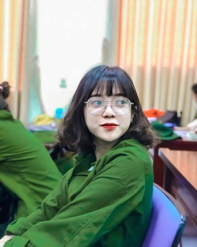 """Hoc quan su, hoi hot girl khoe anh chat khien CDM """"tha tim"""" khong ngot-Hinh-6"""