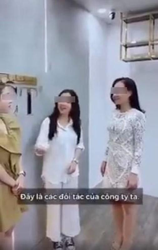 """Dong thai cua nu chinh trong clip """"ky thi"""" Da Nang gay buc xuc-Hinh-3"""