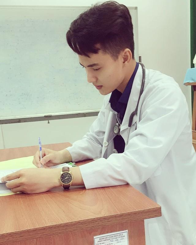 """Nam than truong Y co goc nghieng than thanh """"don tim"""" dan tinh-Hinh-7"""