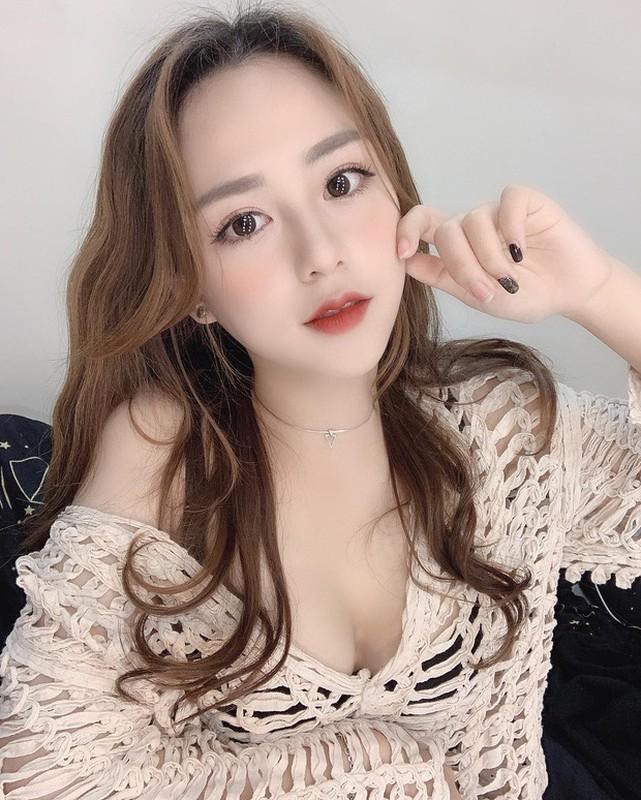 Hot girl co guong mat bup be, duoc bao Trung het loi khen la ai?-Hinh-3