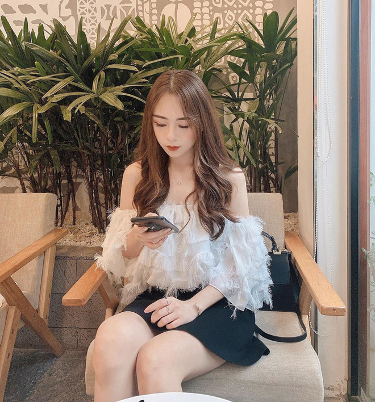 Hot girl co guong mat bup be, duoc bao Trung het loi khen la ai?-Hinh-7