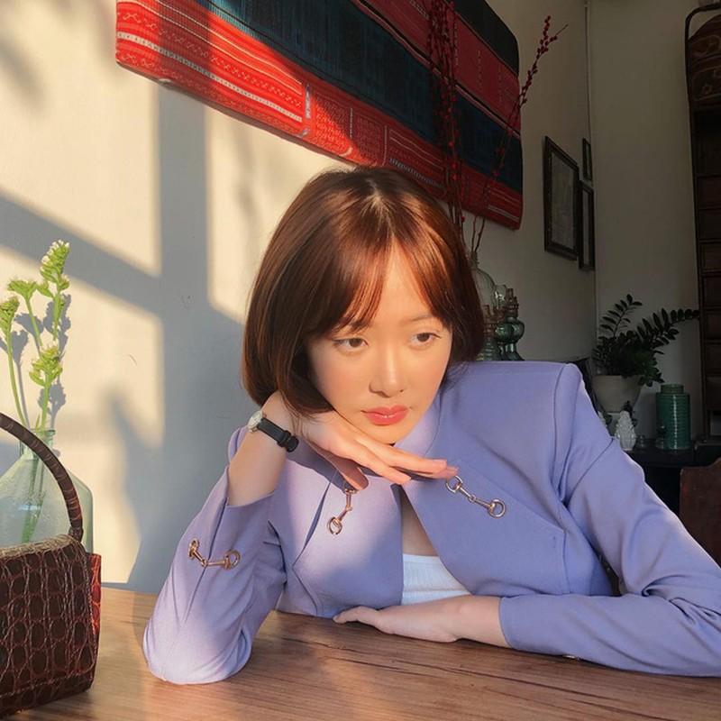 "Cuu hot girl RMIT duoc menh danh ""nu than goc nghieng"" la ai?-Hinh-6"